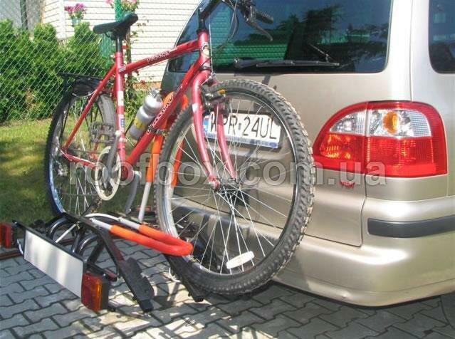 Велосипедное крепление на фаркоп Amos стальное для трех велосипедов
